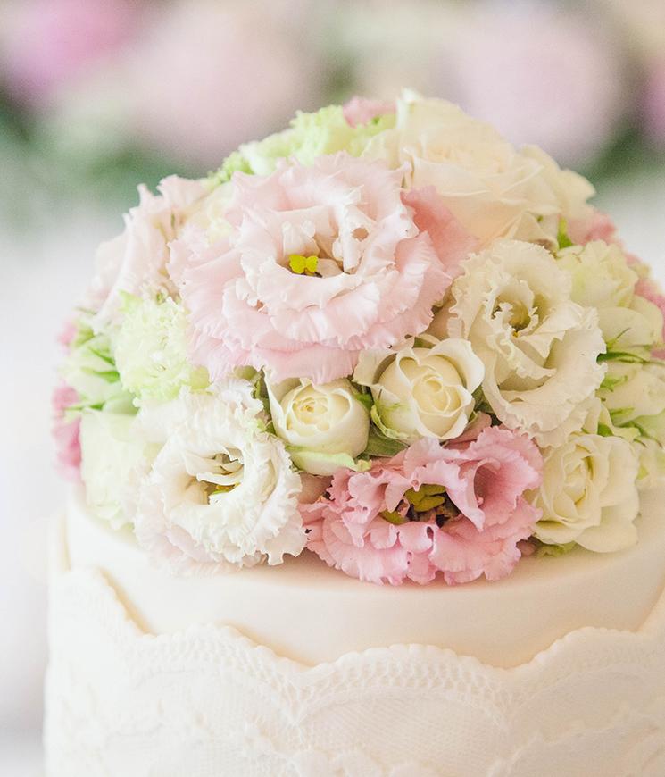 flower topper wedding cake